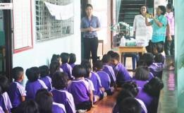 อบต.ท่าโพธิ์  จังหวัดพิษณุโลกตรวจรักษาโรคตาแดงให้กับเด็กนักเรียน โรงเรียนวัดคุ้งวารี ต.ท่าโพธิ์ อ.เมือง จ.พิษณุโลก
