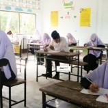 สำนักงานการศึกษาเอกชนอำเภอหนองจิก จัดการทดสอบ นร.ชั้น ม.2 และ ม.5 ปีการศึกษา 2557 ของโรงเรียนในสังกัดทุกโรง