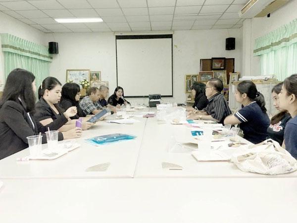 """มรภ.สงขลาลงพื้นที่สร้างความรู้ชุมชนเกาะยอ แนะใช้ """"ศาสตร์ภาษาไทย"""" เพิ่มช่องทางพีอาร์สินค้า"""