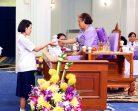 """โรงเรียนธิดานุเคราะห์จัดพิธีเชิดชูเกียรติ """"นักเรียนรางวัลพระราชทานประจำปี 2559"""""""