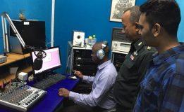 นักศึกษาจาก ม.นเรศวร เรียนรู้ดูงานนอกสถานที่ สถานีวิทยุกระจายเสียงกองทัพภาค 3 และพิพิธภัณฑ์กองทัพ