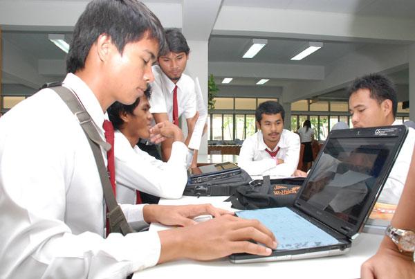 มรภ.สงขลา เร่งพัฒนาไอที เตรียมก้าวสู่ 'E-University' เต็มรูปแบบ