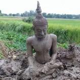 คนขับแบคโฮเผยนาทีปาฏิหาริย์ ก่อนขุดพบพระพุทธรูปเก่าจมใต้ดิน