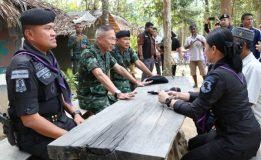 แม่ทัพภาคที่  4  รับมอบตัวกลุ่มก่อความไม่สงบ
