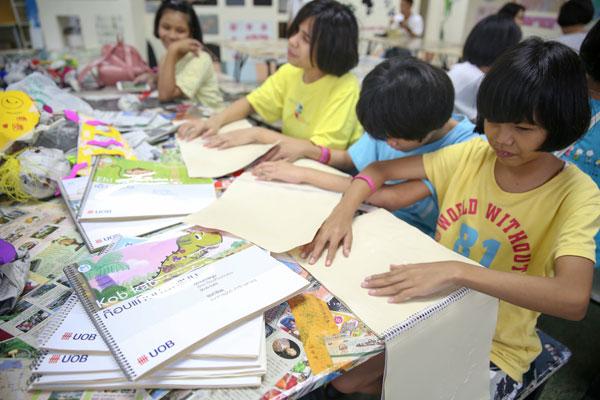 ยูโอบี เปิดโลกการเรียนรู้และจินตนาการให้กับเด็กผู้พิการทางสายตา กับโครงการหนังสือนิทานภาพนูน