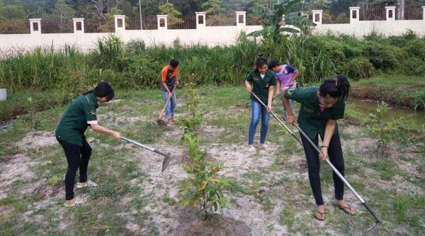 เปิดห้องเรียน 'เกษตร' เพื่อชุมชน  มรภ.สงขลา พาชมพืชผักปลอดสาร ผลงานอาจารย์-นศ.
