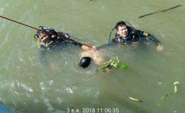 ชายชาวต่างชาติกระโดดน้ำบริเวณท่าน้ำสะพานพุทธ