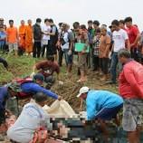พบร่างผู้เสียชีวิตทั้ง 2 รายแล้ว หลังจ้างเรือเที่ยวในบึงบอระเพ็ด ถูกพายุฝนพัดกระหนำเรือล่มจมหาย