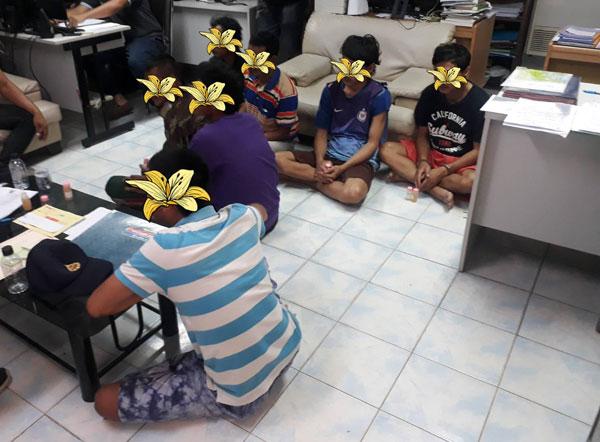 เจ้าพนักงานฝ่ายปกครองและตำรวจจับกุมผู้ค้ายาเสพติด 1 ราย พื้นทั่หมู่2 ต.สะพานไทย