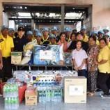#ร่วมด้วยช่วยกัน…..ทหาร นพค.46 ประชาชนจิตอาสา พระราชทาน อบต.บ้านทำเนียบเร่งให้การช่วยเหลือเจ้าของบ้านหลังถูกเพลิงไหม้วอดทั้งหลังในคืนวันลอยกระทง ต้องไปอาศัยญาติพี่น้องเป็นการชั่วคราว