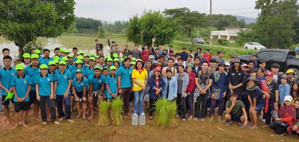 """""""เกษตรดำนา รักษาวิถีไทย"""" มรภ.สงขลา อนุรักษ์ข้าวพื้นเมือง ส่งต่อความรู้สู่คนรุ่นใหม่"""