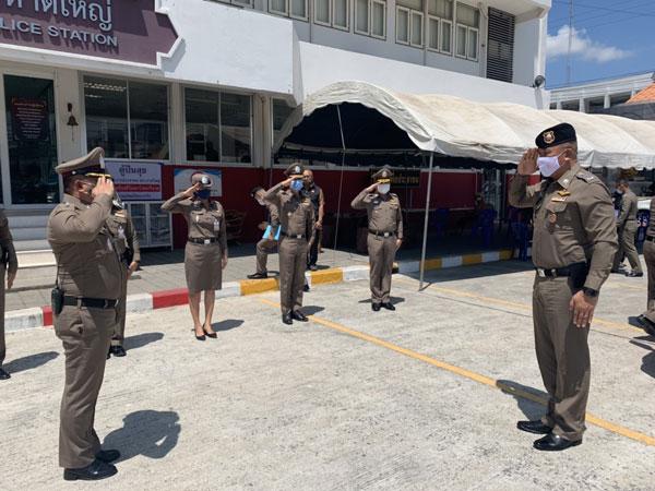 ตำรวจภูธรภาค 9 ตรวจเยี่ยม สภ.หาดใหญ่ เเละประชุมเร่งรัด ติดตามตัวคนร้ายจำนวน 2 คดี