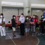 ทม.คอหงส์ ร่วมกับ อบจ.สงขลามอบข้าวสารให้แก่ประชาชนที่ได้รับผลกระทบจากการแพร่ระบาดของโรคติดเชื้อไวรัสโคโรนา 2019 (covid-19)